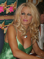 PAMELA ANDERSON SIGNS COPIES OF HER NEW NOVEL STAR AT BORDERS BOOKS, NEW YORK CITY 08/03/2004<br /> Photo By John Barrett/PHOTOlink /MediaPunch