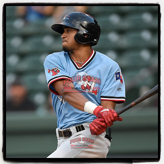 Center fielder Bubba Thompson (25) of the Hickory Crawdads, shown here batting last night against Greenville, is on the latest Baseball America Top MLB Prospects Hot Sheet (8/20/18) (Tom Priddy/Four Seam Images) https://www.baseballamerica.com/stories/top-mlb-prospects-hot-sheet-82018/