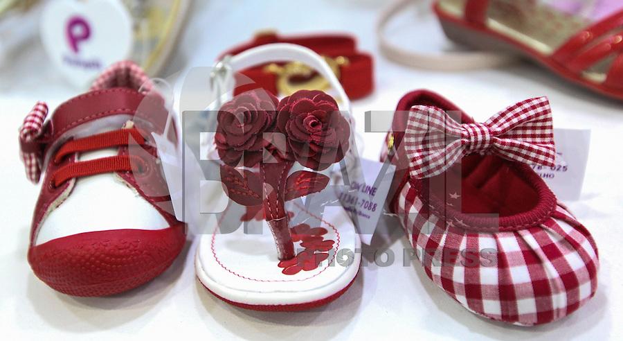 SAO PAULO, SP, 14 DE JANEIRO 2013 - ABERTURA COUROMODA 40 ANOS - Couromoda 2013, o mais importante encontro de moda e negócios entre a indústria e o varejo de calçados e acessórios, no Complexo do Anhembi na regiao norte da capital paulista, nesta segunda-feira, 14. FOTO: VANESSA CARVALHO / BRAZIL PHOTO PRESS).
