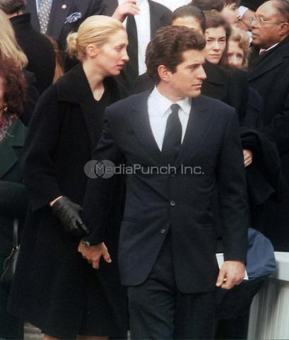 John Kennedy Jr & Carolyn Bessette (wife) 1998<br /> Photo By John Barrett-PHOTOlink.net / MediaPunch