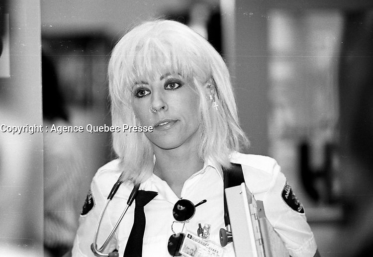 Montreal (Qc) CANADA - 1996<br /> -File Photo -<br /> Sophie Lorrain,<br /> On the set of URGENCES TV serie.
