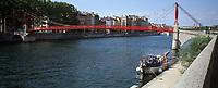 Europe/France/Rhône-Alpes/69/Rhone/Lyon: Quai de Saone et passerelle St Georges