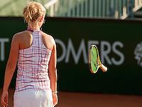13-8-09, Den Bosch,Nationale Tennis Kampioenschappen, Kwartfinale, Richel Hogenkamp  laat haar racket vliegen