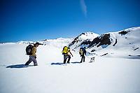 Carlos Lastra, Lucho Birkner, Tomas Contreras on the approach to Los Huasamacos del Sur, Valle des los Condores, Chile