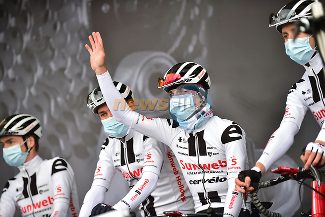 Team Sunweb at sign on before Liege-Bastogne-Liege 2020, running 257km from Liege to Liege, Belgium. 4th October 2020.<br /> Picture: ASO/Gautier Demouveaux | Cyclefile<br /> All photos usage must carry mandatory copyright credit (© Cyclefile | ASO/Gautier Demouveaux)