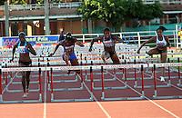 CALI - COLOMBIA. 22-06-2013. Gran Prix de Atletismo en el estadio Pedro Grajales en la ciudad de Cali<br /> Prueba 100 mts Vallas Damas. Llegada de la pueba 001 Lina Marcela Flores, o98 Brigite Merlano. CALI -COLOMBIA-22-06-2013. Photo: VizzorImage/Juan C. Quintero/STR
