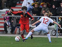 UEFA Women's Under 17 Championship - Second Qualifying round - group 1 : Belgium - England : .Tinne Van Den Bergh aan de bal.foto DAVID CATRY / Vrouwenteam.be