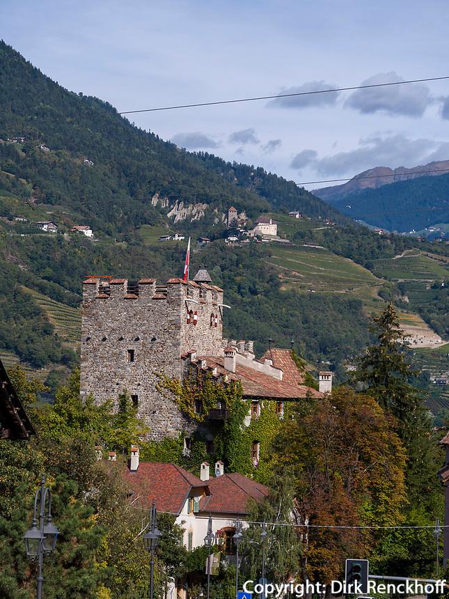 Schloss Forst, Algund bei Meran, Region Südtirol-Bolzano, Italien, Europa<br /> castle Forst,  Lagundo near Merano, Region South Tyrol-Bolzano, Italy, Europe