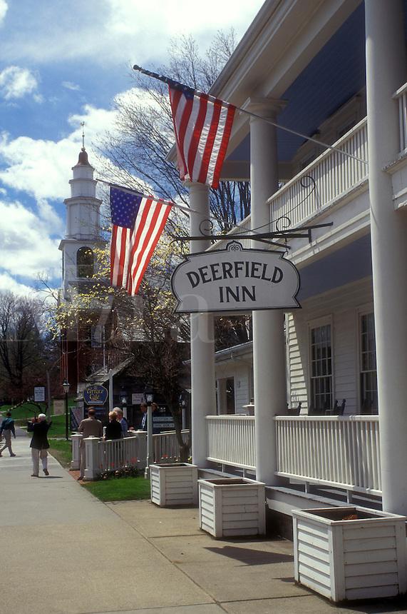 AJ1404, Inn, Massachusetts, Deerfield, The Berkshires, Deerfield Inn and First Church in Historic Deerfield, Massachusetts.