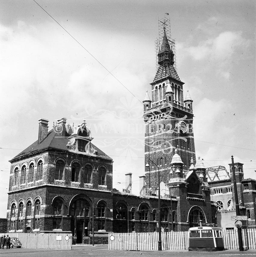 1965. Zuidstation in Antwerpen tijdens de afbraakwerken.