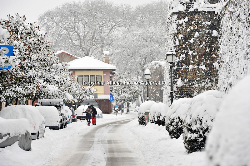 Pictured: Snow in Ioannina, Greece. Wednesday 11 January 2017<br /> Re: Heavy snow has affected the town of Ioannina, northern Greece
