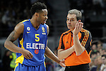 Maccabi Electra Tel Aviv's Marquez Haynes have words with the referee during Euroleague match.March 27,2015. (ALTERPHOTOS/Acero)