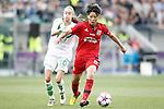 VfL Wolfsburg's Tessa Wullaert (l) and Olympique Lyonnais' Saki Kumagai during UEFA Women's Champions League 2015/2016 Final match.May 26,2016. (ALTERPHOTOS/Acero)