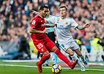 Gabriel Ivan Mercado (l) of Sevilla FC battles for the ball with Toni Kroos of Real Madrid during the La Liga 2017-18 match between Real Madrid and Sevilla FC at Santiago Bernabeu Stadium on 09 December 2017 in Madrid, Spain. Photo by Diego Souto / Power Sport Images