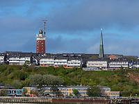 skyline mit Funkturm und Leuchtturm, Blick von Düne, Insel Helgoland, Schleswig-Holstein, Deutschland, Europa<br /> skyline with radio tower and lighthouse, seen from dune, Helgoland island, district Pinneberg, Schleswig-Holstein, Germany, Europe