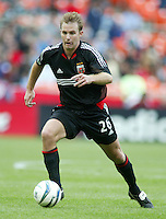3 April 2004: DC United Bryan Namoff in action against Earthquakes at RFK Stadium in Washington D.C..  Credit: Michael Pimentel / ISI