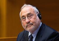 L'economista statunitense Joseph Stiglitz durante una lectio magistralis sulla crisi dell'Euro, alla Camera dei Deputati, Roma, 23 settembre 2014.<br /> U.S. economist Joseph Stiglitz attends a conference at the Lower Chamber in Rome, 23 September 2014.<br /> UPDATE IMAGES PRESS/Riccardo De Luca