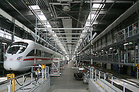 Besuch im ICE-Werk Leipzig..Im Bild: ICE in der Werkhalle. Foto: Jan Kaefer / aif