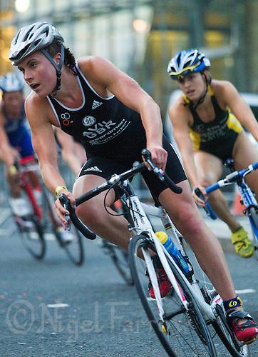 30 JUN 2011 - LONDON, GBR - Hollie Avil - GE Canary Wharf Triathlon (PHOTO (C) NIGEL FARROW)