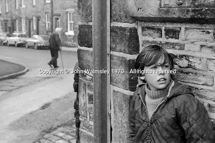 Class is taken out to explore the locality, Whitworth Comprehensive School, Whitworth, Lancashire.  1970.