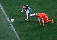Iker Casillas, Arjen Robben, Soccer, Football - 2010 FIFA World Cup - Johannesburg, South Africa, Sunday, July, 11, 2010. Final match, Netherlands vs Spain, Soccer City Stadium (credit & photo: Pedja Milosavljevic / +381 64 1260 959 / thepedja@gmail.com / STARSPORT )