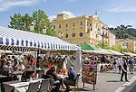 France, Provence-Alpes-Côte d'Azur, Nice: restaurants at Cours Saleya | Frankreich, Provence-Alpes-Côte d'Azur, Nizza: Restaurants auf dem Cours Saleya