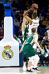 Zalgiris' Thomas Walkup and Real Madrid's Anthony Randolph during Euroligue match between Real Madrid and Zalgiris Kaunas at Wizink Center in Madrid, Spain. April 4, 2019.  (ALTERPHOTOS/Alconada)