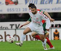 SV Zulte-Waregem - KV Kortrijk..Salah Bakour probeert Steve Colpaert achter zich te houden...foto David Catry /VDB