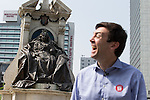 © Joel Goodman - 07973 332324 . 09/06/2016 . Manchester , UK . ANDY BURNHAM MP for Leigh and candidate for Labour's campaign for Greater Manchester Mayor , campaigning for Britain to Remain in the EU in Piccadilly Gardens in Manchester City Centre , in front of a statue of Queen Victoria . Photo credit : Joel Goodman