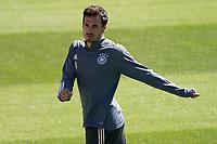 Mats Hummels (Deutschland Germany) macht sich warm - Seefeld 31.05.2021: Trainingslager der Deutschen Nationalmannschaft zur EM-Vorbereitung