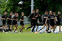 GRONINGEN - Voetbal, Eerste training selectie FC Groningen, seizoen 2021-2022, 26-06-2021, warming up voor het nieuwe seizoen