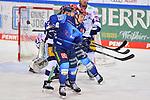 Hans Detsch (Nr.89 - ERC Ingolstadt) und Kris Foucault (Nr.98 - Eisbären Berlin) vor Torwart Mathias Niederberger (Nr.35 - Eisbären Berlin) beim Spiel im Halbfinale der DEL, ERC Ingolstadt (dunkel) - Eisbaeren Berlin (hell).<br /> <br /> Foto © PIX-Sportfotos *** Foto ist honorarpflichtig! *** Auf Anfrage in hoeherer Qualitaet/Aufloesung. Belegexemplar erbeten. Veroeffentlichung ausschliesslich fuer journalistisch-publizistische Zwecke. For editorial use only.