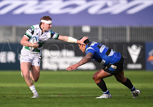 21st November 2020; Recreation Ground, Bath, Somerset, England; English Premiership Rugby, Bath versus Newcastle Falcons; Josh Matavesi of Bath prepares to tackle Tom Penny of Newcastle Falcons