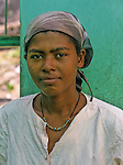 ile de Sao Antao. Jeune femme dans un village de la ribeira de Paul