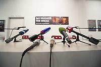 """Augenzeuge des Odessa-Massaker berichtet ueber die Morde am 2. Mai 2014 und die Entwicklung dahin.<br /> Am 2. Mai starben bei einem Massaker in und vor dem Gewerkschaftshauses in Odessa nach offiziellen Angaben mehr als 50 Menschen. Die Zahl der Toten liegt vermutlich hoeher, denn viele Menschen aus dem brennenden Gebaeude fluechteten, wurden auf der Straße erschlagen. Die Tageszeitung """"junge Welt"""" empfing den den Ueberlebenden, Oleg Muzyka, und zeigt eine Fotoausstellung mit zum Teil schockierenden Bildern von Aktivisten.<br /> 11.8.2014, Berlin<br /> Copyright: Christian-Ditsch.de<br /> [Inhaltsveraendernde Manipulation des Fotos nur nach ausdruecklicher Genehmigung des Fotografen. Vereinbarungen ueber Abtretung von Persoenlichkeitsrechten/Model Release der abgebildeten Person/Personen liegen nicht vor. NO MODEL RELEASE! Don't publish without copyright Christian-Ditsch.de, Veroeffentlichung nur mit Fotografennennung, sowie gegen Honorar, MwSt. und Beleg. Konto: I N G - D i B a, IBAN DE58500105175400192269, BIC INGDDEFFXXX, Kontakt: post@christian-ditsch.de<br /> Urhebervermerk wird gemaess Paragraph 13 UHG verlangt.]"""
