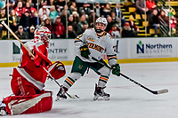 29 December 2018: University of Vermont Catamount Forward Max Kaufman, a Sophomore from Rochester, NY, in second period action against the Rensselaer Engineers at Gutterson Fieldhouse in Burlington, Vermont. The Catamounts rallied from a 2-0 deficit to defeat RPI 4-2 and win the annual Catamount Cup Tournament. Mandatory Credit: Ed Wolfstein Photo *** RAW (NEF) Image File Available ***