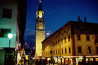 - Cortina d'Ampezzo, main street by night....- Cortina d'Ampezzo, il centro città di notte