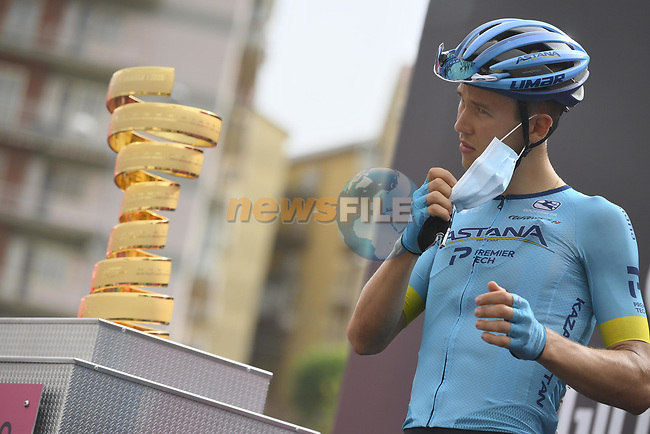 Astana Pro Team at sign on before the start of Stage 3 of the 103rd edition of the Giro d'Italia 2020 running 150km from Enna to Etna (Linguaglossa-Piano Provenzana), Sicily, Italy. 5th October 2020.  <br /> Picture: LaPresse/Marco Alpozzi | Cyclefile<br /> <br /> All photos usage must carry mandatory copyright credit (© Cyclefile | LaPresse/Marco Alpozzi)