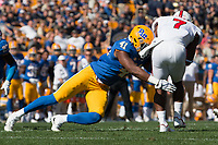 Pitt linebacker Jalen Williams makes a tackle. The North Carolina Wolfpack defeated the Pitt Panthers 35-17 at Heinz Field, Pittsburgh, PA on October 14, 2017.