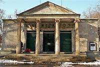 Il Planetario Hoepli di Milano ai giardini di Porta Venezia --- The planetery Hoepli of Milan at the public garden of Venezia gate