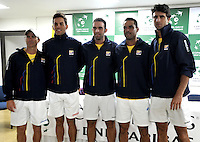 CALI - COLOMBIA – 03-04-2014: Mauricio Hadad (Izq.) capitán, Santiago Giraldo (2Izq.) Juan Sebastian Cabal (Cent.) Alejandro Falla (2Der.) y Robert Farah (Der.) equipo de Colombia, durante sorteo de la Copa Davis entre los equipos de Colombia y Republica Dominicana, en el que quedaron definidos el orden de los partidos, a primera hora juegan Santiago Giraldo  de Colombia y Jose Hernandez de Republica Dominicana y a segunda hora juegan Alejandero Falla de Colombia y Victor Estrella de Republica Dominicana, partidos de la serie final del Grupo I de la Zona Americana de Copa Davis por BNP Paribas. / Mauricio Hadad (L) capitan, Santiago Giraldo (2L) Juan Sebastian Cabal (C) Alejandro Falla (2R) and Robert Farah (R) Colombia´s team,  during the Davis Cup draw between teams from Colombia and the Dominican Republic, which were defined by the matches, early play Santiago Giraldo of Colombia and Jose Hernandez of the Dominican Republic and second hour playing Alejandro Falla of Colombia and Victor Estrella of Dominican Republic, the final series of matches in Group I of the American Zone Davis Cup by BNP Paribas./ Photo: VizzorImage / Luis Ramirez / Staff.