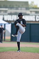 Chicago White Sox starting pitcher Brayan Herrera (32) delivers a pitch during an Instructional League game against the Oakland Athletics at Lew Wolff Training Complex on October 5, 2018 in Mesa, Arizona. (Zachary Lucy/Four Seam Images)