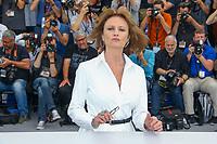 Jacqueline Bisset, photocall pour le film L AMANT DOUBLE en competition lors du soixante-dixième (70ème) Festival du Film à Cannes, Palais des Festivals et des Congres, Cannes, Sud de la France, vendredi 26 mai 2017. Philippe FARJON / VISUAL Press Agency