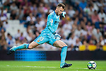 Goalkeeper Norberto Murara Neto of Valencia CF in action during their La Liga 2017-18 match between Real Madrid and Valencia CF at the Estadio Santiago Bernabeu on 27 August 2017 in Madrid, Spain. Photo by Diego Gonzalez / Power Sport Images