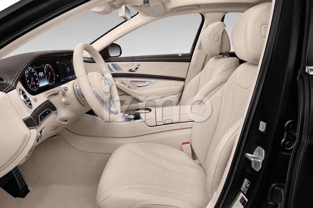 Front seat view of 2018 Mercedes Benz S-Class 450 4 Door Sedan Front Seat  car photos