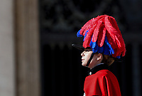 Vatican City, 25th December, 2018. Carabinieri's band perform in St. Peter's Square before the Pope Francis' Urbi et Orbi (In Latin 'to the city and to the world' ) Christmas' day blessing from the central loggia of St. Peter's Basilica.<br /> © Riccardo De Luca UPDATE IMAGES/ Alamy Live News