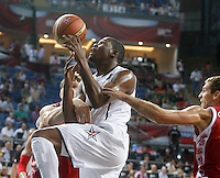 Kevin DURANT (USA)  passes Sergei BYKOV (Russia) and Andrey VORONTSEVICH (Russia)  during the quarter-final World championship basketball match against Russia in Istanbul, USA-Russia, Turkey on Thursday, Sep. 09, 2010..
