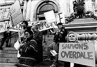 Manifestation pour empecher la destruction de l'ilot OVERDALE, circa 1987, devant l'hotel de ville de Montreal.<br /> <br /> PHOTO : Pierre Roussel<br /> <br />  - Agence Quebec Presse