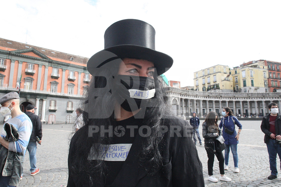 """The workers of the Campania Region of Culture and Entertainment gathered in Piazza del Plebiscito in Naples, to protest the restrictive measures set out in the """"DECRETO CURA ITALIA"""""""