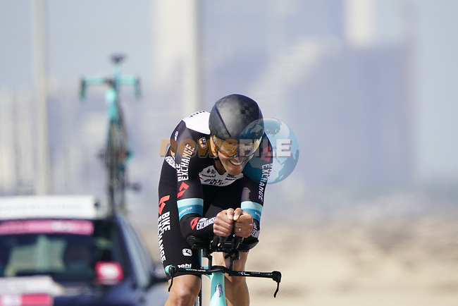 Jack Bauer (NZL) Team BikeExchange during Stage 2 of the 2021 UAE Tour an individual time trial running 13km around  Al Hudayriyat Island, Abu Dhabi, UAE. 22nd February 2021.  <br /> Picture: Eoin Clarke | Cyclefile<br /> <br /> All photos usage must carry mandatory copyright credit (© Cyclefile | Eoin Clarke)